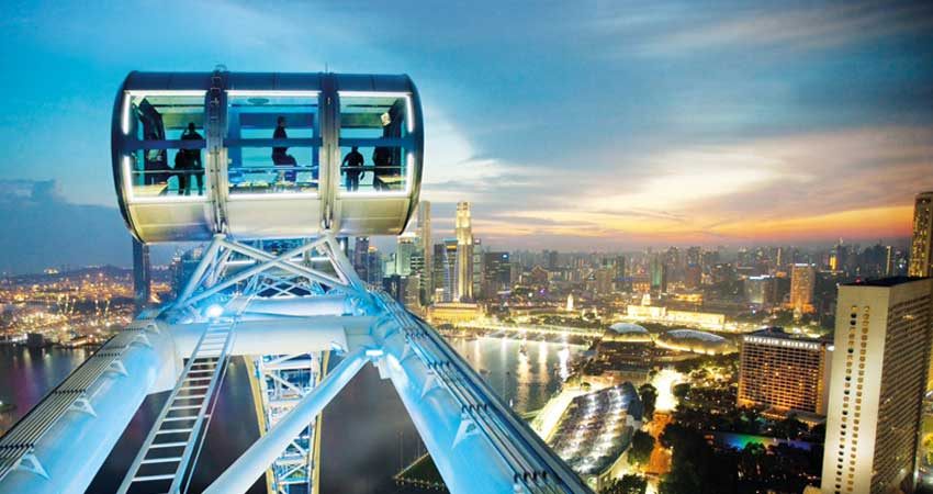City tour with Singapore Flyer