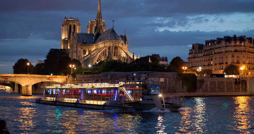 Seine River Cruise in Paris–1Hrs.
