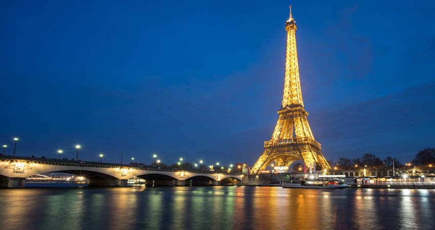 Evening Tour of Paris Eiffel tower