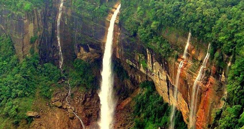 Nohkhalikal Falls